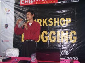 Saat Mengisi Workshop Blogging yang diselenggarakan Majalah Komputer CHIP