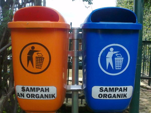 Memilah Sampah sejak Dibuang Pertama kali